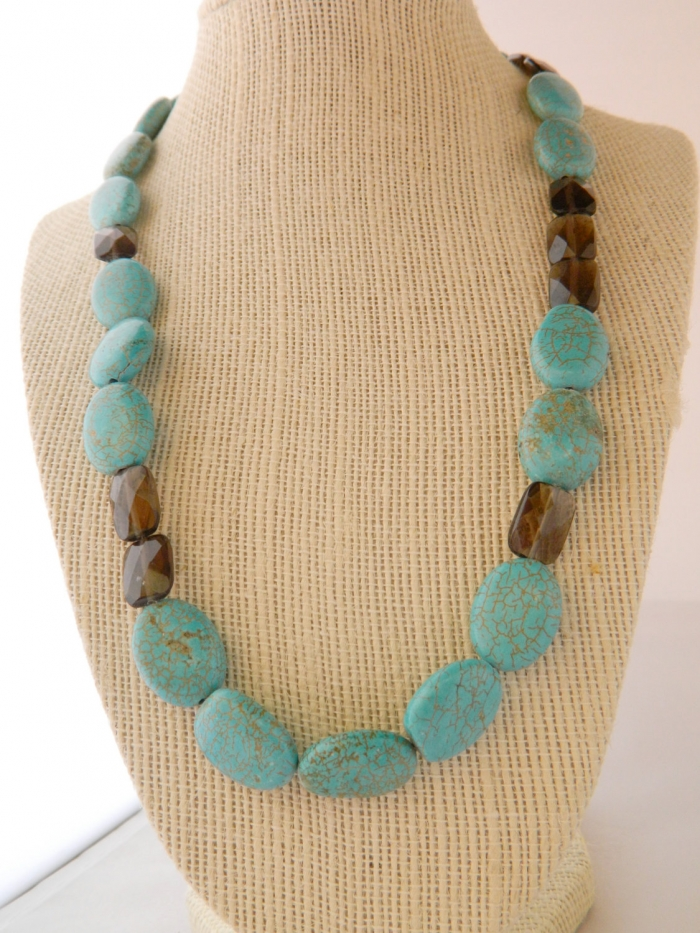Arden Jewelry Design howlite and quartz necklace